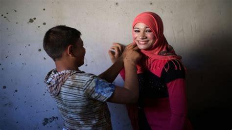 أحمد وتالا تزوجا في الـ 15 والـ 14 والفقر ثالثهما نريد