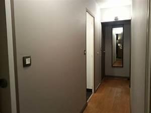 Peindre Un Couloir : couloir peint en taupe et en marron 1 2 autres ptit ~ Dallasstarsshop.com Idées de Décoration