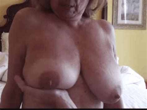 Sexy Natural Tits Bouncing