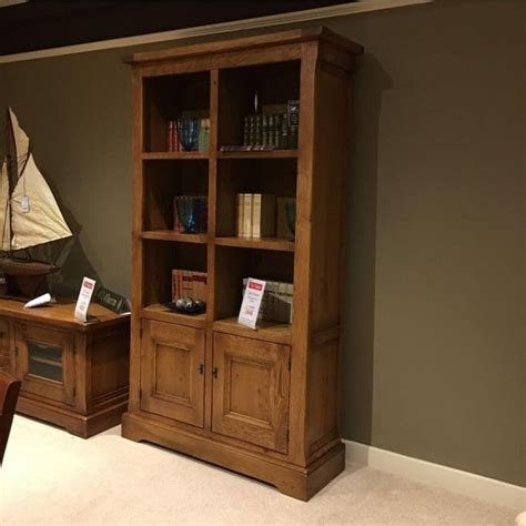 Old Charm Chatsworth Bookcase With Doors Clearance