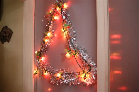 ways  decorate  room  christmas wikihow