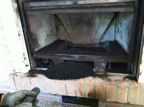 pulire camino pulizia canna fumaria di inserto camino a legna