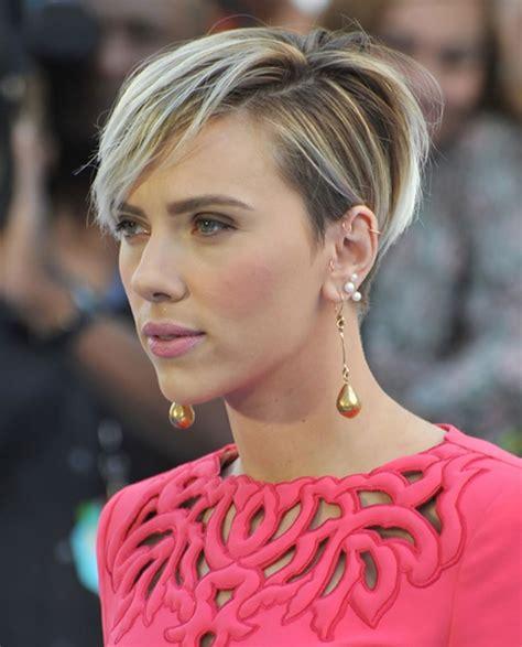 Scarlett Johansson's Hairstyles 2018 & Bob Pixie Haircuts