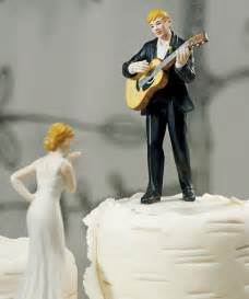 and chain cake topper guitar wedding cake topper