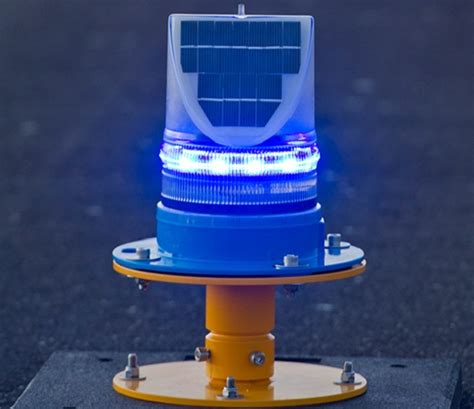 solar powered taxiway blue edge lights