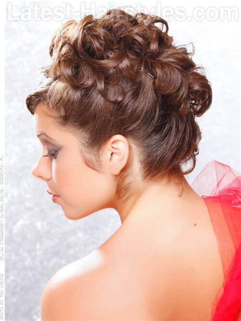 Curl Updo Hairstyles by 36 Curly Updos For Curly Hair See These Ideas For 2018