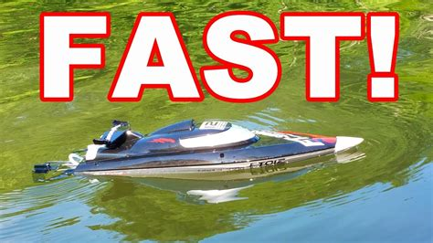 Fast Rc Boat Videos by Brushless Fast Self Righting Rc Boat Feilun Ft012 Speed