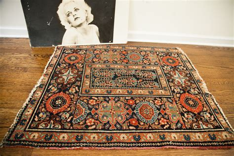 rug  offer   choice   decorating style