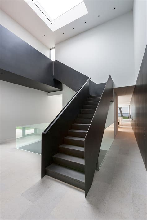 superb modern staircase designs   amaze   simplicity