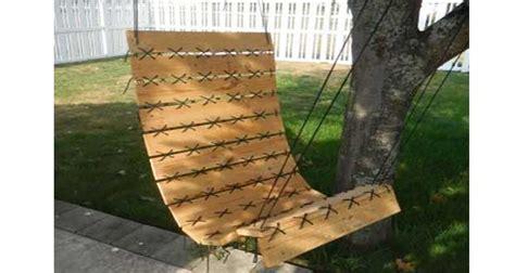 fauteuil suspendu en palette hyper d 233 co 224 faire pour le jardin