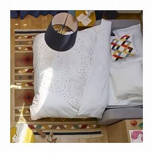 Housse De Couette Blanche : idylle housse de couette 240x220 blanche motifs habitat ~ Teatrodelosmanantiales.com Idées de Décoration