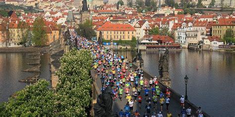 volkswagen prague marathon el loco  corre
