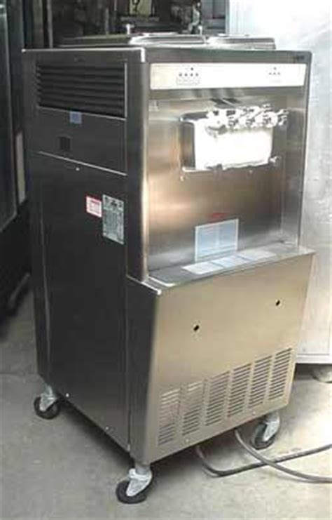 TAYLOR Soft Serve Ice Cream Machine   Taylor 339   USED