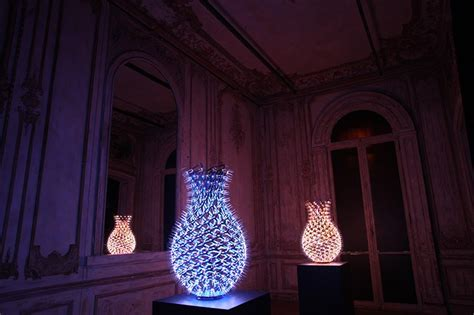 led vases by moritz waldemeyer