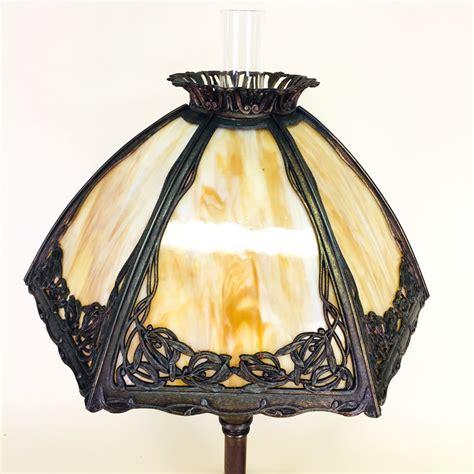 bradley hubbard slag glass table lamp  lamps