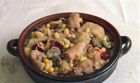 cuisiner haricots blancs recette espagnole olla de san antón feves haricots
