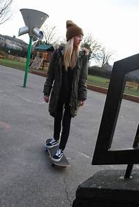 50 Cool Skater Outfits That Defines You Better