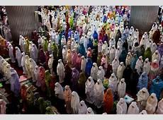 Ramadan Mubarak! Muslims around the world mark the start