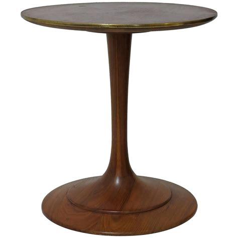 pedestal end table heritage pedestal walnut side table at 1stdibs