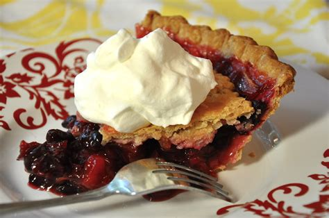 apple cherry pie floating top cranberry cherry apple pie from ken haedrich dean of thepieacademy com