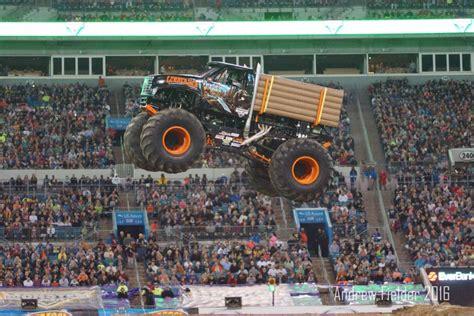 monster truck show jacksonville crushstation and lumberjack flying high in jacksonville