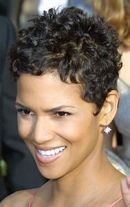 Short Curly Hair that looks Great with a Round Face ...