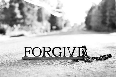 Testo Forgive Me - le frasi per chiedere scusa ai genitori le migliori per