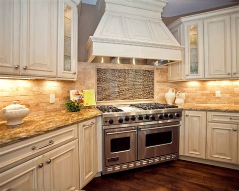 pictures of kitchen backsplashes with white cabinets kitchen amazing kitchen cabinets and backsplash ideas
