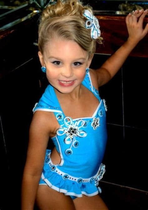 people humanity child beauty pageant united states