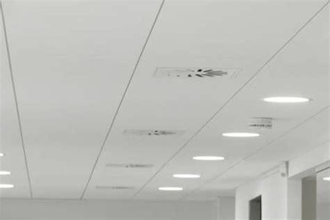 dalle de plafond isolante dalle de plafond isolante fixer un faux plafond en dalles amovibles dalles de plafond et mur