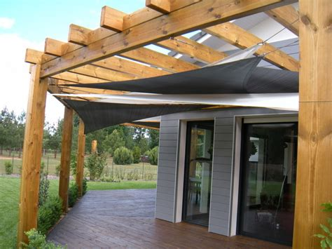 voile d ombrage pergola installation de voiles d ombrage sous un pergola contemporary patio other metro by