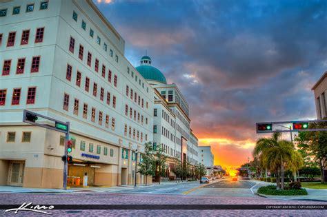 West Palm Beach City Hall Building