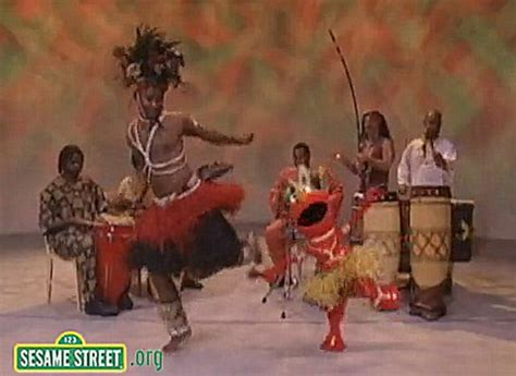 Elmo Dances in Honor of Kwanzaa - Goodnet