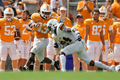 tennessee football vols top  sophomores   page