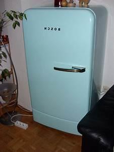 Retro Kühlschrank A : bosch retro k hlschrank als akzent in der k cheneinrichtung 20 ideen ~ Orissabook.com Haus und Dekorationen