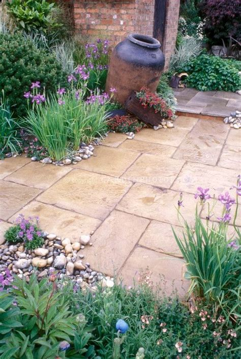 ideas  garden paving  pinterest paving