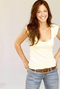 Minka Kelly A Sweet Cahrming Actress - Page 3