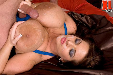 Brunette Bbw Maria Moore Uses Her Massive Tits To Please