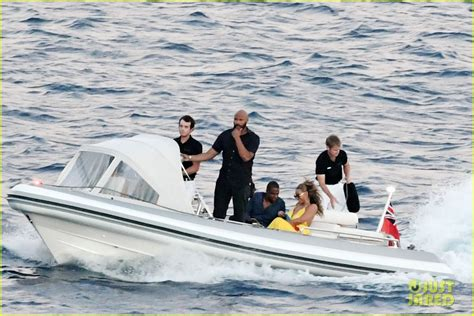 What Is To Take A Boat Ride In Spanish by Full Sized Photo Of Beyonce And Jay Z Take A Romantic Boat