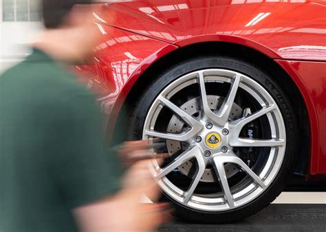 Lotus slashes servicing costs on Elise, Exige and Evora ...