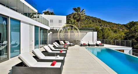 Moderne Häuser Zu Verkaufen by Luxuri 246 Se Moderne Villa In Der N 228 He Ibiza Zu Verkaufen Und