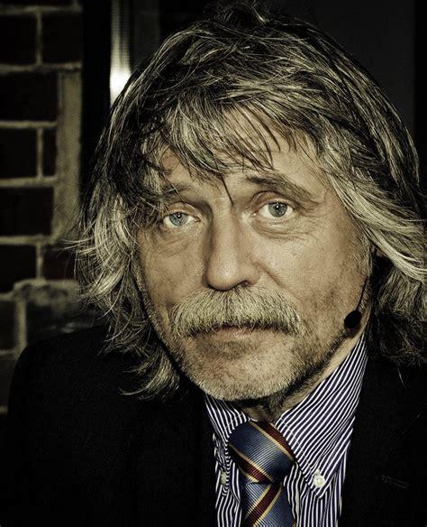 He played professional football between 1966 and 1978 for five clubs: Johan Derksen | Gentlemint