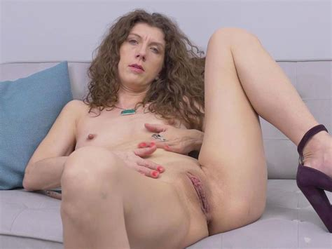 Canadian Milf Janice Strips Off And Fingers Her Ripe