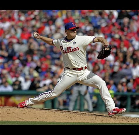Revere's RBI single lifts Phillies over Braves ...