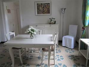 repeindre ses meubles en blanc patine lin deco peinture With wonderful repeindre un escalier en gris 15 cuisine grise le bois chez vous
