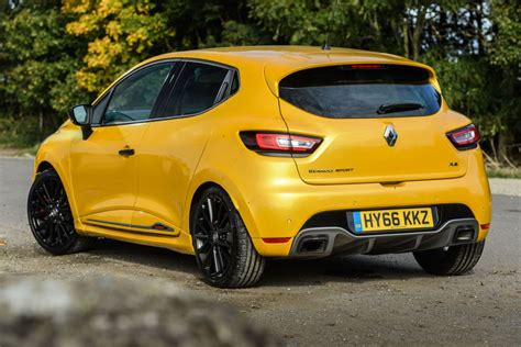 Renaultsport Clio 220 Trophy Review