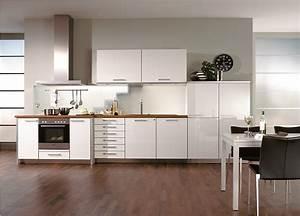 Tischlösungen Für Kleine Küchen : wei e k chenzeile f r die kleine k che ~ Sanjose-hotels-ca.com Haus und Dekorationen