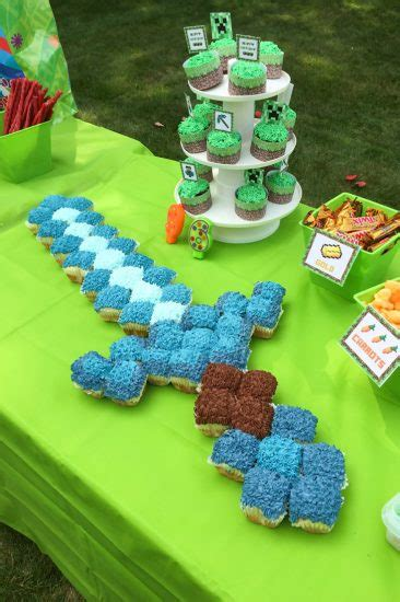 how to decorate a minecraft cake minecraft cupcake cake s fabulous finds