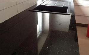 Granit Arbeitsplatte Küche Preis : kochinsel granit k chengestaltung kleine k che ~ Markanthonyermac.com Haus und Dekorationen