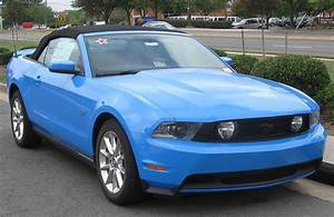 File:2010 Ford Mustang GT convertible 2 -- 09-07-2009.jpg - Wikimedia Commons
